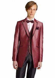 結婚式で新郎がレンタルするピンクのタキシードシャツ