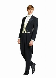 結婚式で新郎がレンタルするテールコート102