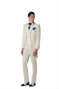 c620e5bcfc82e 3分でわかる! 種類別 結婚式で着る衣裳はタキシード!?|約100型から ...