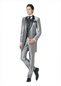 結婚式で新郎がレンタルするシルバーのフロックコート854