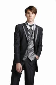 タキシード レンタル 結婚式 新郎 シンプル おしゃれ 黒 ブラック