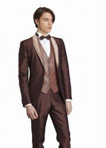 結婚式で新郎がレンタルするブラウンのタキシード20373