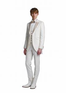 新郎が結婚式でレンタルする白いモーニングコート715