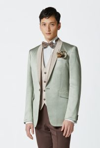 結婚式で新郎がレンタルするグリーンのタキシード20341
