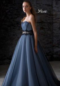 大人カラーのブルーグレードレス