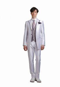 結婚式で新郎がレンタルするシンプルなタキシード20338