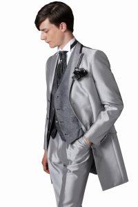 結婚式で新郎が着る人気のタキシード