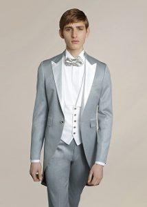 結婚式で新郎がレンタルするシンプルなモーニングタキシード