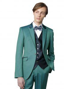 結婚式で新郎がレンタルするグリーンのタキシード20369
