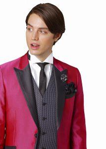 結婚式で新郎がレンタルするピンクのタキシード20320