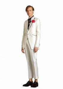 4597eb5a73439 ... 白のタキシード 結婚式で新郎がレンタルするカジュアルなタキシード ...