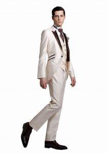 結婚式で新郎がレンタルする白のモーニングコート