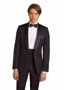 結婚式で新郎がレンタルするシンプルなタキシード20333