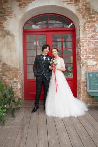 結婚式で新郎がレンタルするチェックのタキシード20374