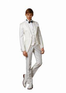 結婚式で新郎がレンタルする白いタキシード20312