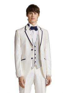 結婚式で新郎がレンタルする白いタキシード20362