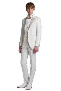 結婚式で新郎がレンタルする白のモーニングタキシード715