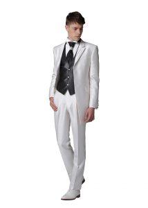 結婚式で新郎がレンタルする白いタキシード239