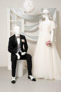 結婚式のブラックフォーマル