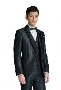 結婚式で新郎がレンタルする黒のシンプルなタキシード20308