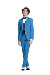 結婚式で新郎がレンタルするブルーのタキシード20388